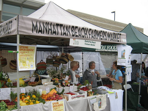 farmers-market-booth-at-growing-great-healthy-living-festival-manhattan-beach